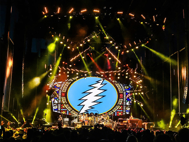 Mayer, three original members lead Dead & Company to Darien