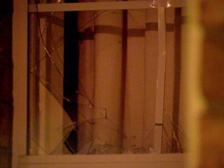 Police: Man shot at Aurora apartments