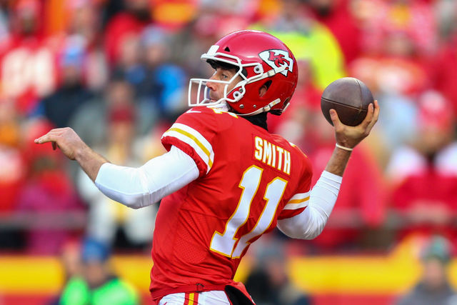 Chiefs agree to trade QB Smith to 'Skins