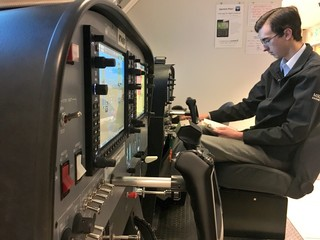 Program takes students from college to cockpit