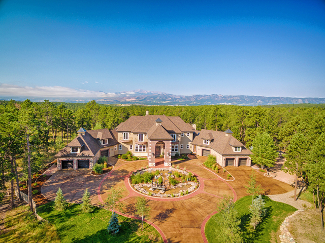 Colorado dream homes colorado springs home with built in for Colorado dream home