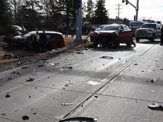 6 injured in Parker Road crash