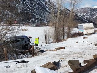 1 killed in Colo. crash involving commuter bus