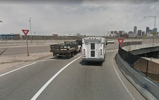 Who has the right of way from N I-25 to Colfax?