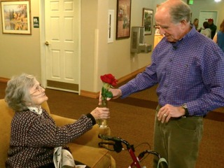 7Everyday Hero delivers flowers to the elderly
