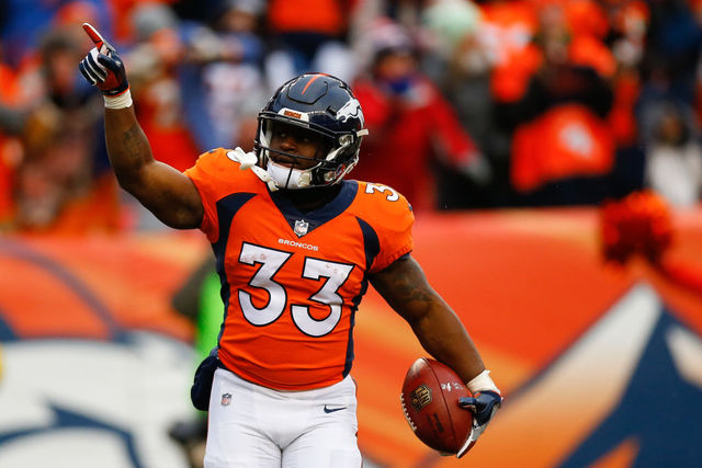 Denver broncos rb deangelo henderson thankful after vehicle hit by denver co december 31 running back deangelo henderson 33 of the denver broncos celebrates his first quarter touchdown against the kansas city chiefs voltagebd Image collections