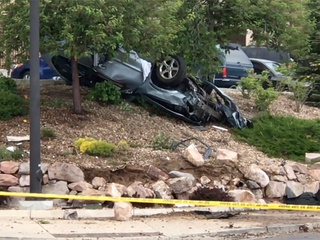 Aurora PD: Rollover crash leaves 1 dead, 1 hurt