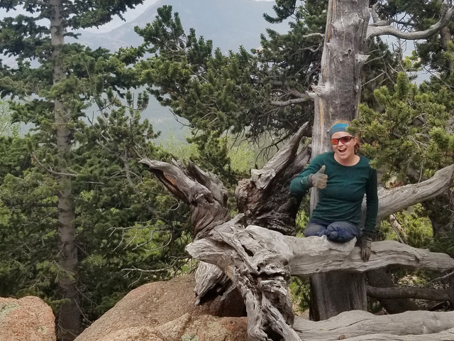 Double amputee who reached top of Manitou Incline summits Pike's Peak to benefit veterans