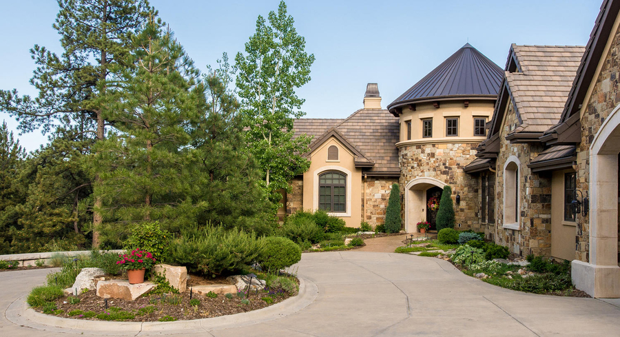 Colorado dream homes 4 9m home overlooks castle pines for Colorado dream home