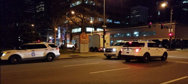 Burglary suspect barricaded in Denver high-rise