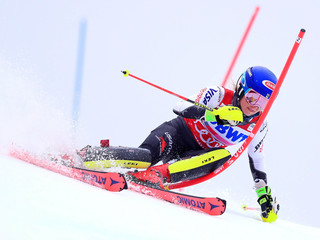 Shiffrin wins World Cup super-G back-to-back